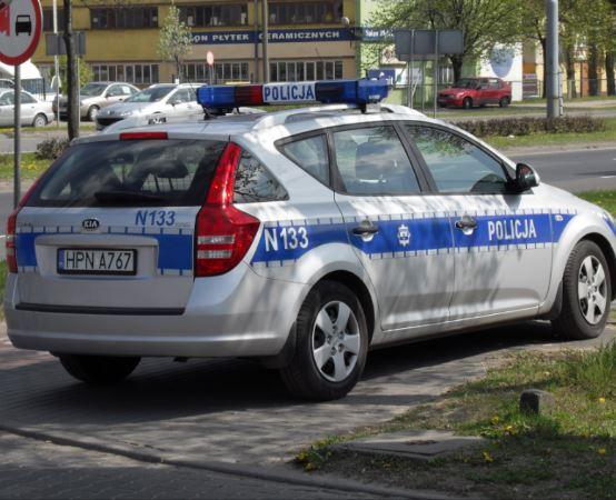 Policja Suwałki: PODPISANIE AKTU EREKCYJNEGO POD SIEDZIBĘ POSTERUNKU POLICJI W RACZKACH