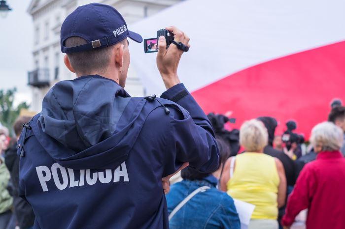 Policja Suwałki: Suwalscy policjanci z kamerkami na mundurach